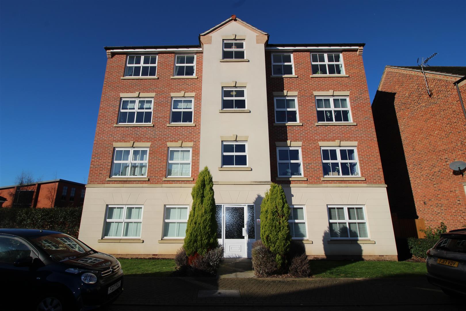 2 Bedrooms Flat for sale in Mountbatten Way, Chilwell